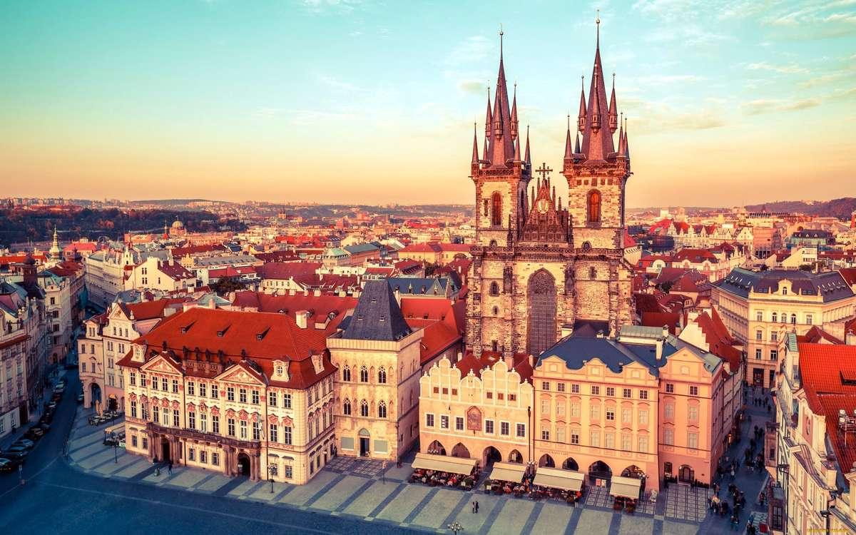 Площадь в Праге с высоты птичьего полета