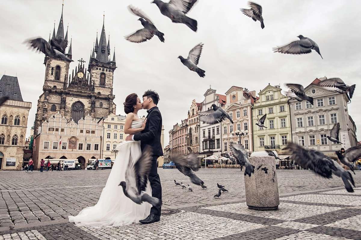 Свадьба на центральной площади Праги