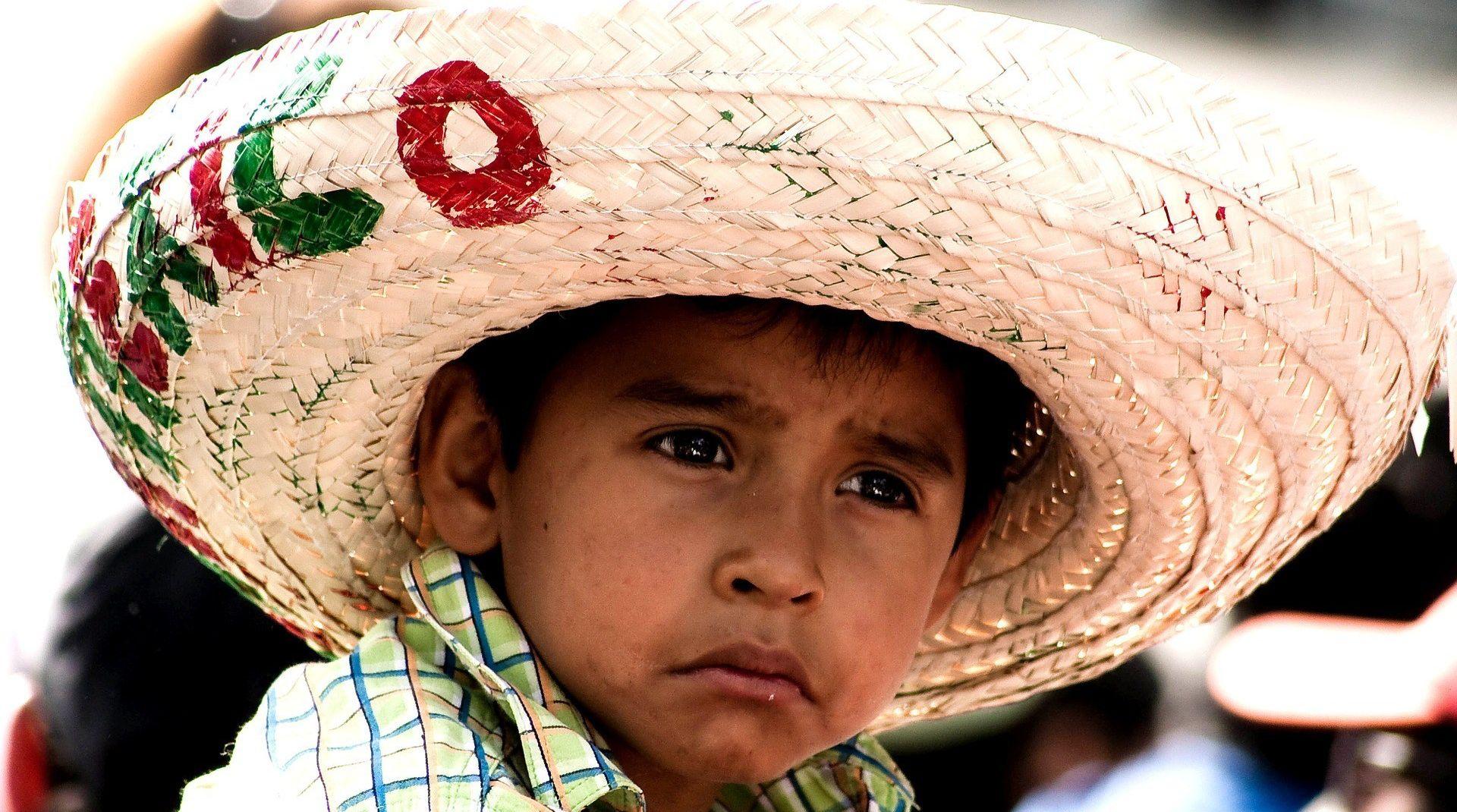 Грустный мексиканский ребенок