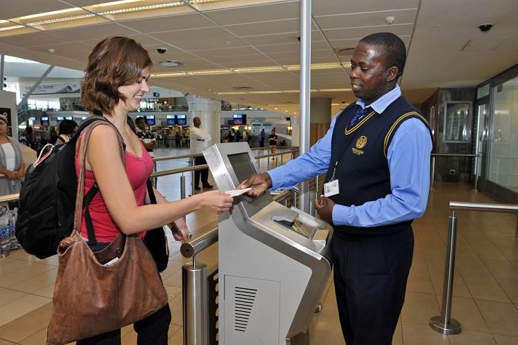 Прохождение паспортного контроля в аэропорту Кейптауна