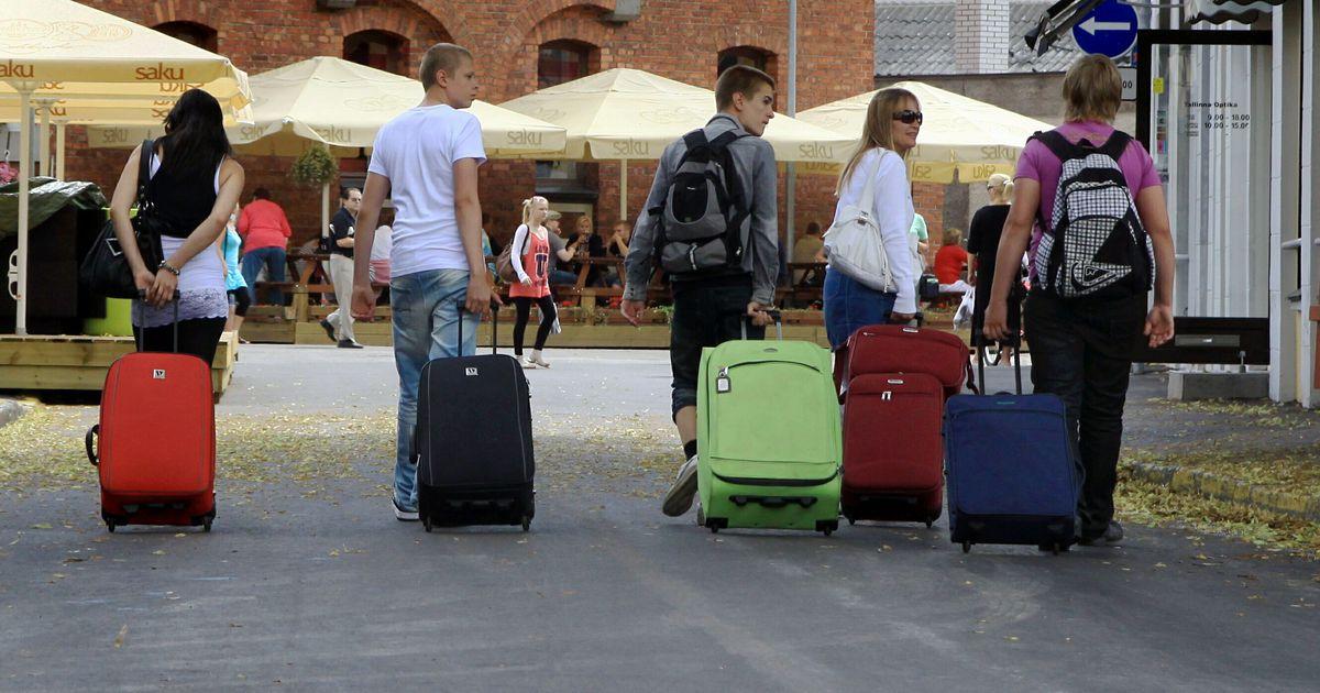 Эмигранты с чемоданами