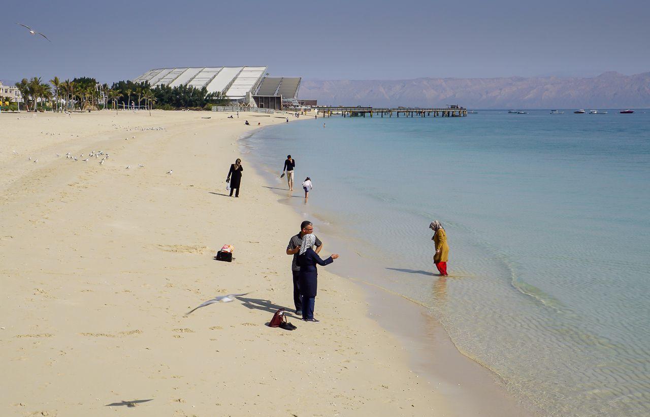 Пляж на острове Хиш
