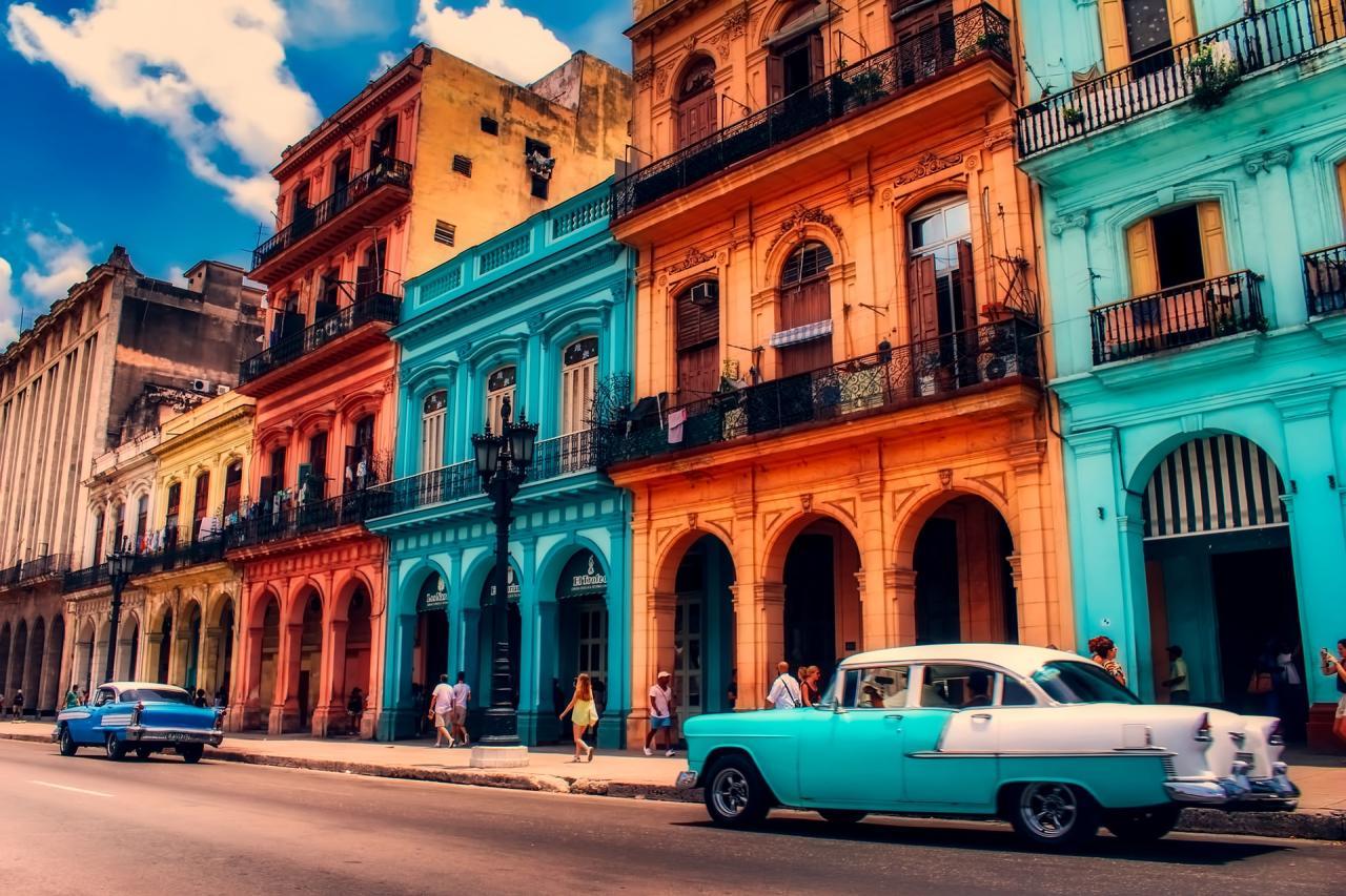 Улицы Варадеро на Кубе