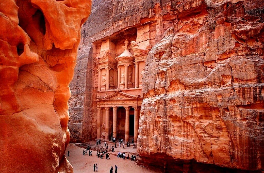 Петра - главная достопримечательность Иордании