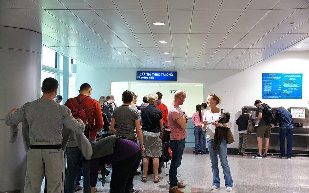 Очередь в аэропорту Вьетнама