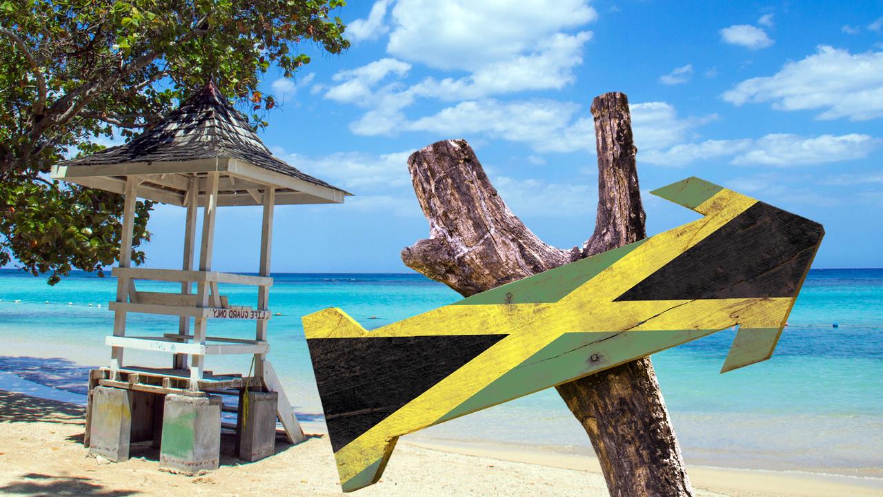 Флаг Ямайки на пляже